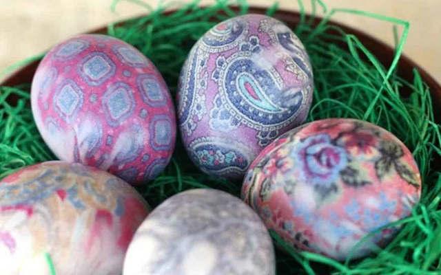 красим яйца шелком