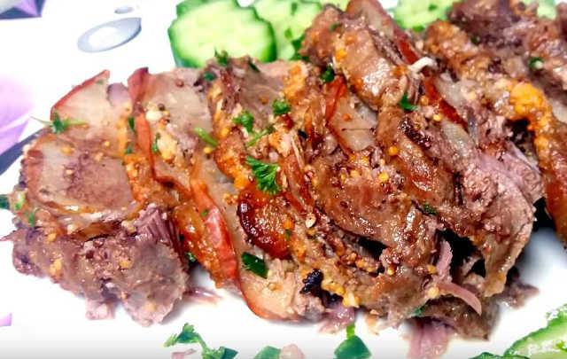 мясо в духовке готово