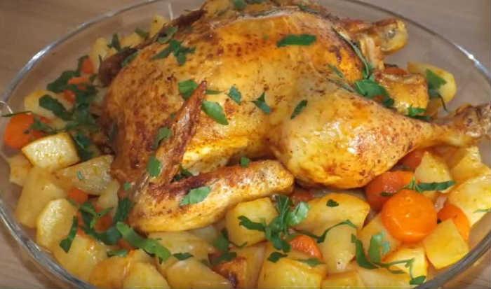 Курица с картошкой целиком