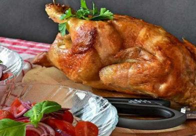 Курица, запеченная целиком в духовке, с хрустящей корочкой – 5 пошаговых рецептов с фото