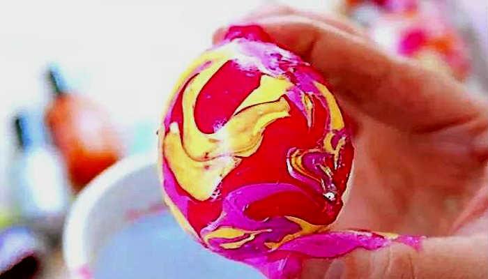 красим яйца лаком
