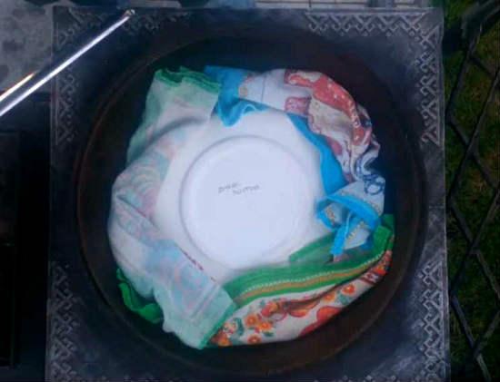 блюдо и полотенца
